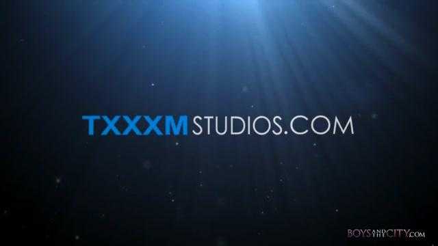 Oscar Gets A Very Sexy Welcome - Deacon Hunter & Oscar Roberts - TXXXMStudios free massage video sex