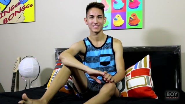 Interviewing Sexy Steven - Steven Peters - BoyCrush Showering lesbian films