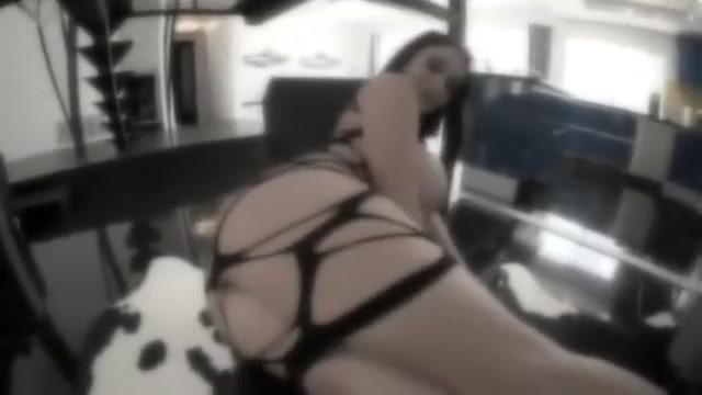 sophie D nice booty big ass latina babes