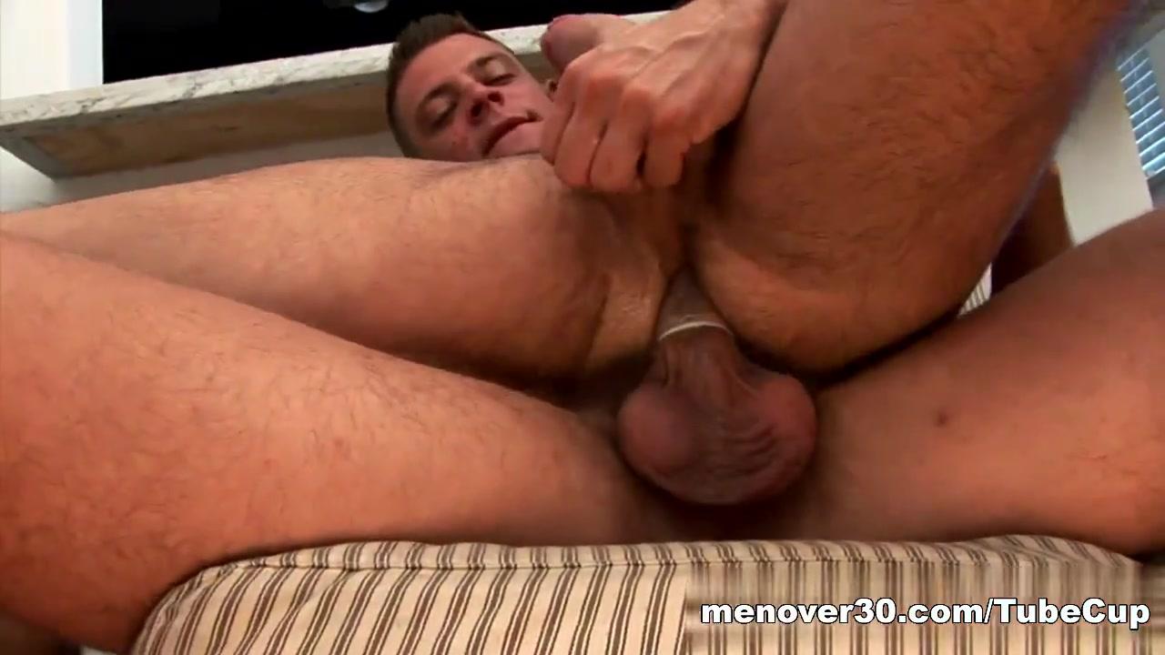 MenOver30 Video: The Photo Shoot gay foreplay videos bulge