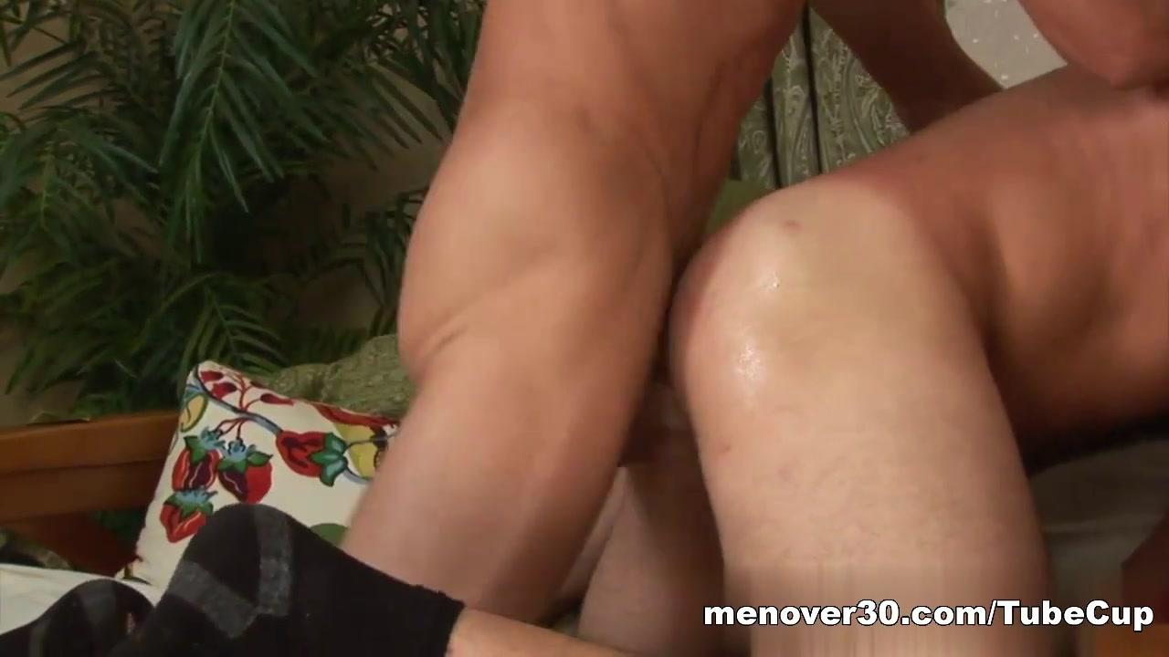 MenOver30 Video: The Troy Fuck Club Lesbianas rusas