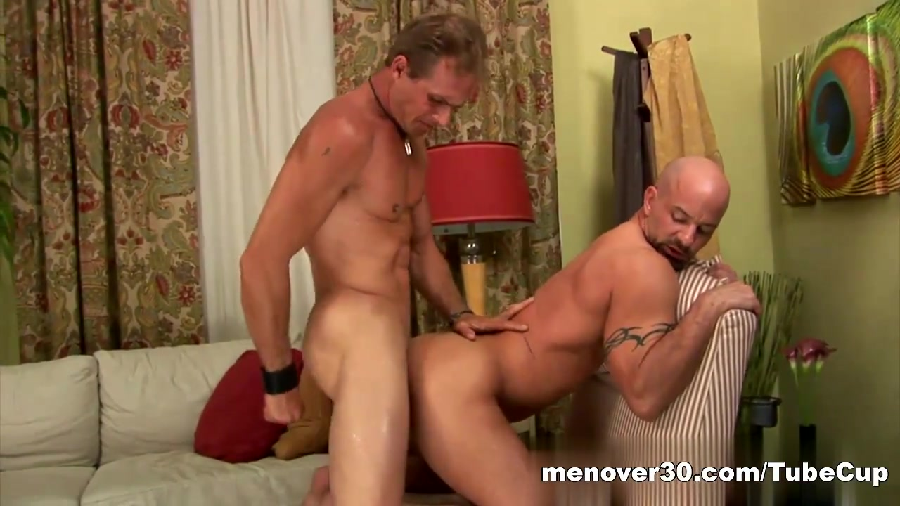 MenOver30 Video: Russell-ing His Feathers Hot Blonde Girl Pussy