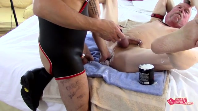 Fist n Fuck Fest for Three Pigs - Sky Wine, Timmy Pig Hole, Juan Direccion - FistingTwinks Hairy Hole Hot