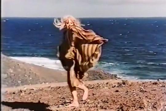 Mit Gurke und Banane (1978) nude girls with hot guys