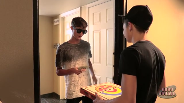 Pizza Boy Earns His Tip - Austin Lock Zack Love - BoyCrush boys feeling mayure tits video