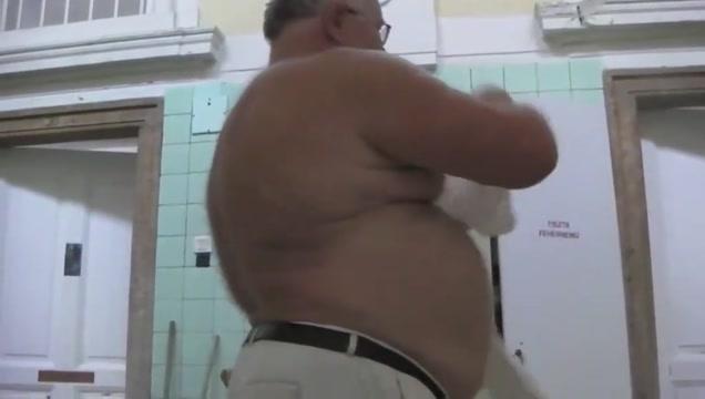 DADDY NAKED AT SPA MUD BATH Ebony booty shaking tubes