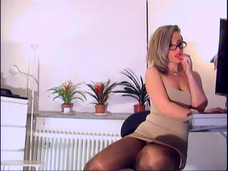 brown pantyhose mom suvking black cock porn vidios