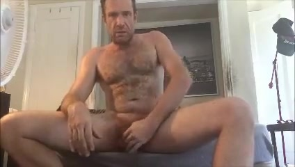Another jerking session! Anal bleaching burns
