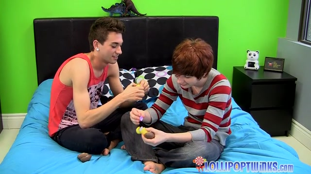 Hung Etienne Gets Fucked - Seth Corrigan And Etienne Kidd - twinkylicious add dildo store url