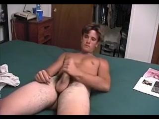 Young stud solo Nigerian Sex Vedio