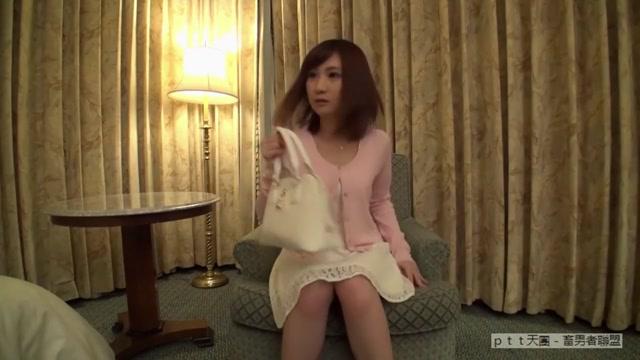 Amateur AV experience shooting 629 / Natsukawa lotus 19-year-old Japanese sweets shop www local dating com