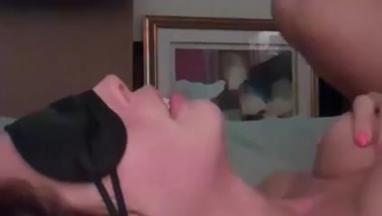 Blindfolded Wifes Face as She Gets Fucked and Facial Tranny and girl threesome