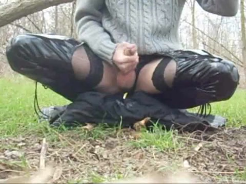 Outdoor masturbation Girl mouth shoot spunk Shooting cum in my girlfriends mouth