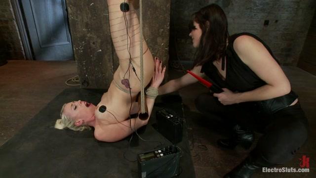 Lorelei Lee Bobbi Starr in An Upside Down Electrosex Predicament - Electrosluts Carbon sexual encounters in Split
