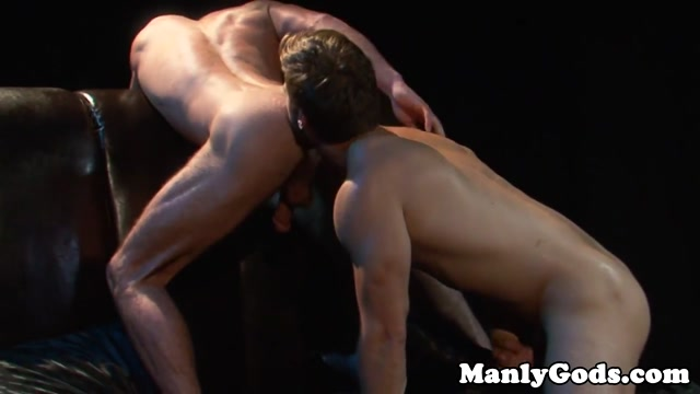 Ripped jock cocksucking and rimming How to tell if girls like you