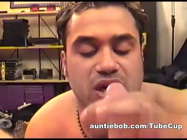 AuntieBob Video: Mario and Auntie Bob tushy first double penetration for natasha nice 5