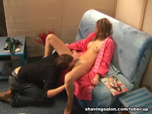 Russian cutie gets licked in a shaving salon