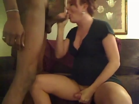 Tranny Amateur Webcam Shemale Sucking Wife naked with big nipples