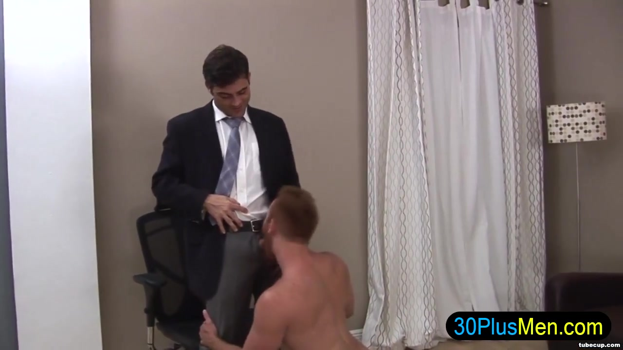 Hot gay hunk gets cock sucked Drunk College Girl Upskirt