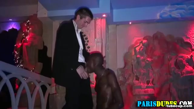 Muscly black euro amateur sucks Examples of good female profiles for hookup sites