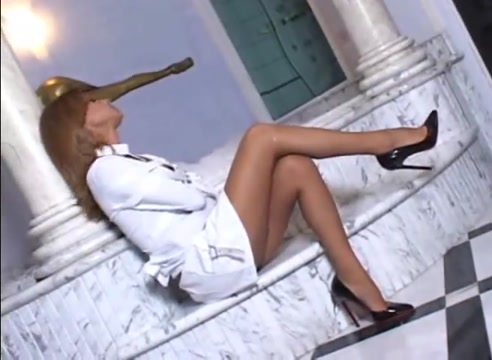 Hot blond shemale suck Big swinger tube
