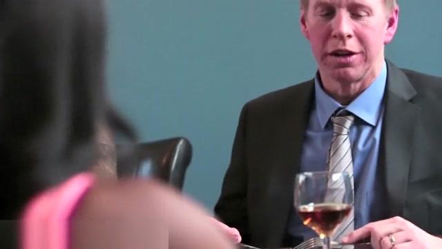 Parents get Horny for Daughers Ebony Friend descargas de videos porno gratis
