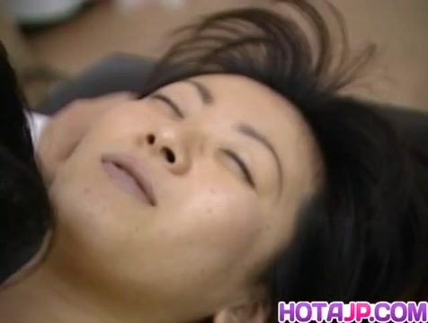 Saki Shiina has hairy cunt measured and sucks doctor phallus Big natural tits toned stomach porn