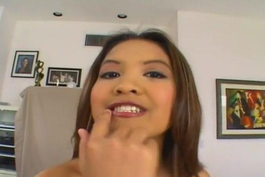 Thai Angel takes a hard pounding videos de porno serviporno