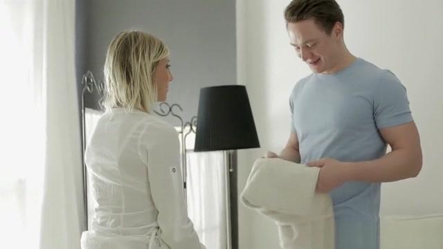 Masseur Fucks Fantastic Blonde Izzy pantyhose squirt