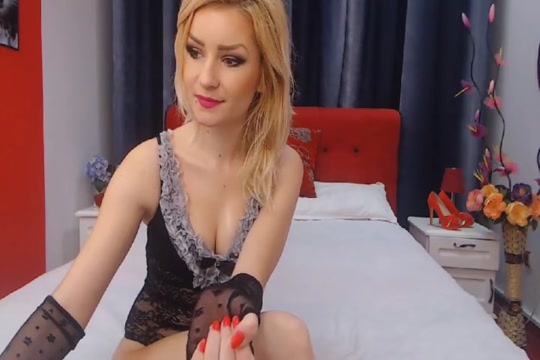 Pretty Blonde Babe Spreads and Toys Pussy on Cam Heighten sexual orgasm