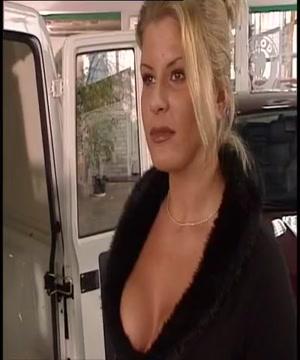 Une Lady demonter chez le garagiste No download sex games
