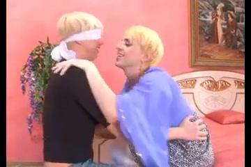 Trav et homo mom son porn blog