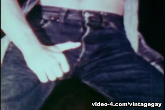 VintageGayLoops Video: Pete Strong Nude fuck me initiation