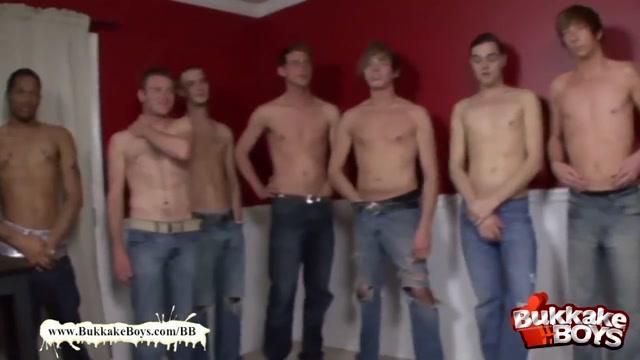 Bukkake Boys - Double penetration freak Latina lesbiana con su amiga exitadas