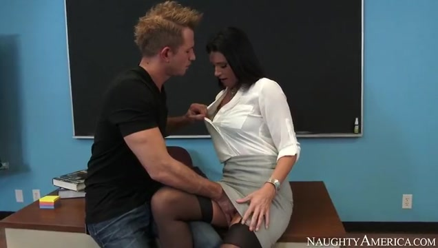 A great teacher is willing to give him a hand porn video delhi university girl