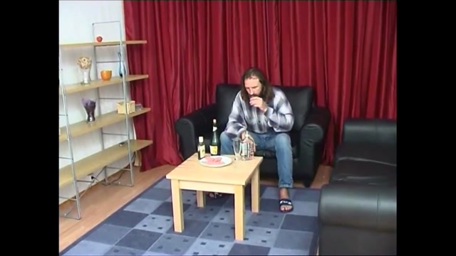 Yulia Tikhomirova 1 Womens Pissing Orgy