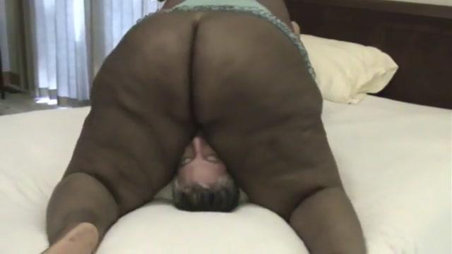 ssbbw ebony chubby pussy peeing