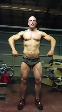 bodybuilder massive flexing Gloria trevi xxx fakes