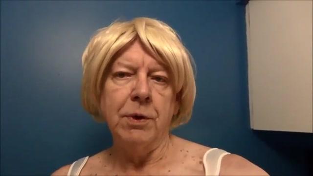 Naughty Gigi enjoys a bulb enema Linda friday hot big tits fucks
