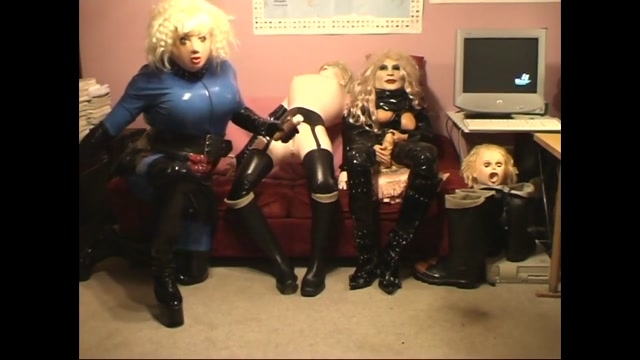 Roxina LadyBoy And Dollz X pornmale scout leader andgay troop onatrip