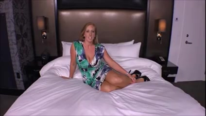 Amateur milf IR threesome creampie Free adult sex videos of women with food