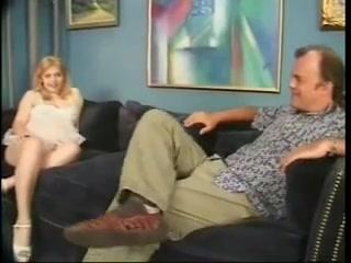 Preggo Kri Leigh Sta s gaya petal piss bukkake
