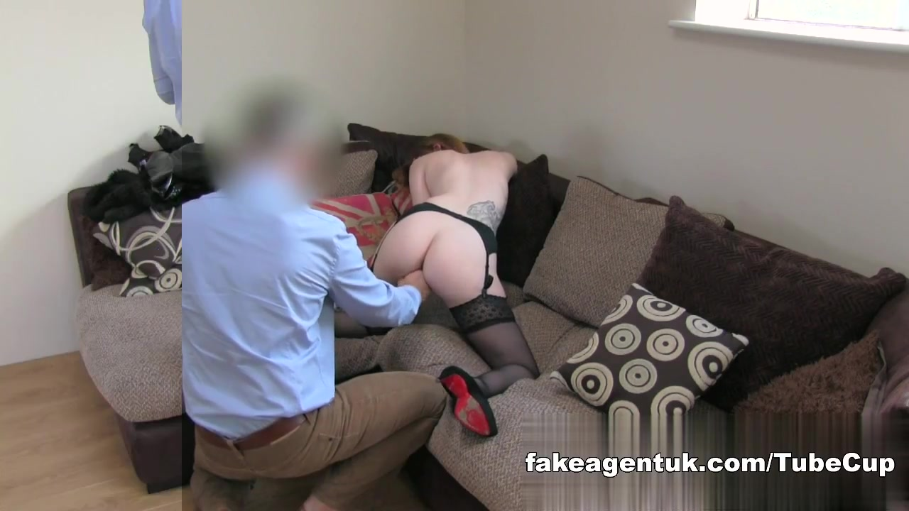 Sexy Fetish girl with great tits orgasms in fake casting