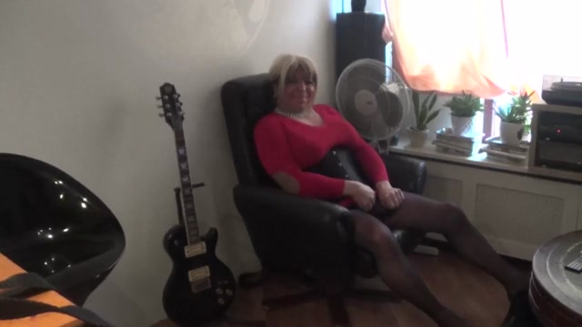 Shemale obeying Mistress Rosie hot amateur next door