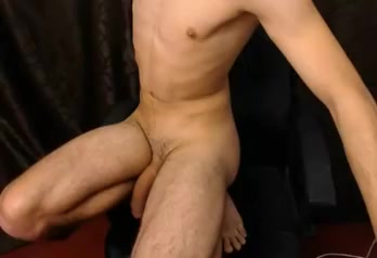 Fit slim guy with playing with big massive uncuct cock Liebelibmobi Perawan