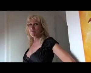18 jaehriger Jungschwanz fickt alte rattige Fotze! Most Popular Male Pornstars
