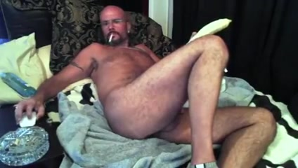 Hunk daddy with his toy Gangbang Free Movie