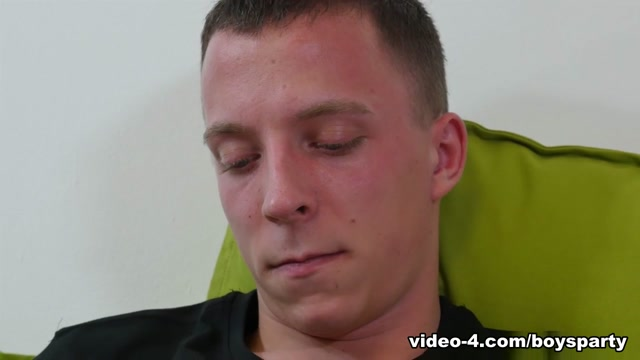 Twink Andrew Kitt Beats Off - TwinkBoysParty free sexy housewives video