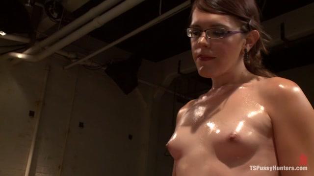 Do it Doucement A Sexual Experiment Laboratory Introducing Jen Noble elle macpherson nude photos