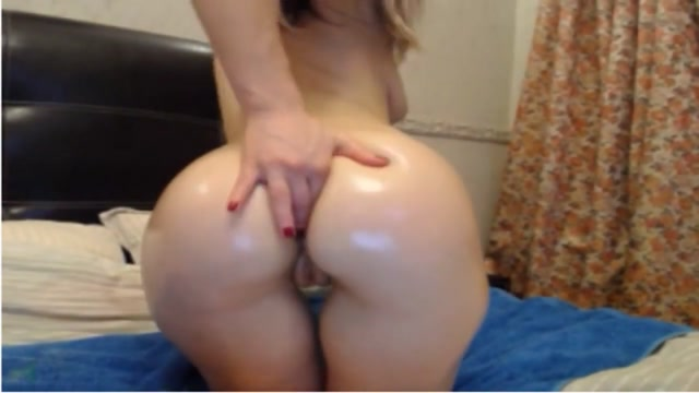 Teenie toys her tight butthole Feeldoe double dildo